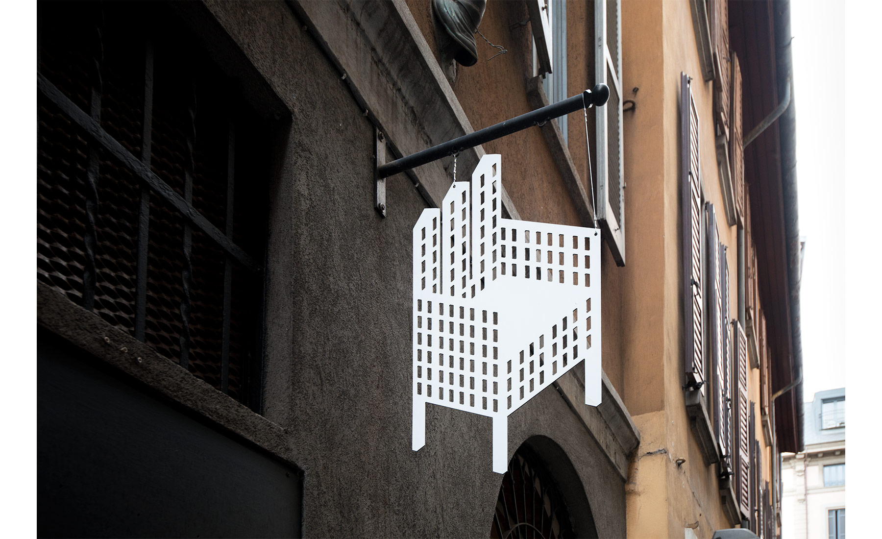 marco-tacchini-photographer-village-chairs-milano_04